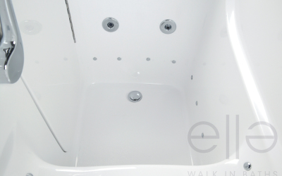 4 low threshold walk in tub-600